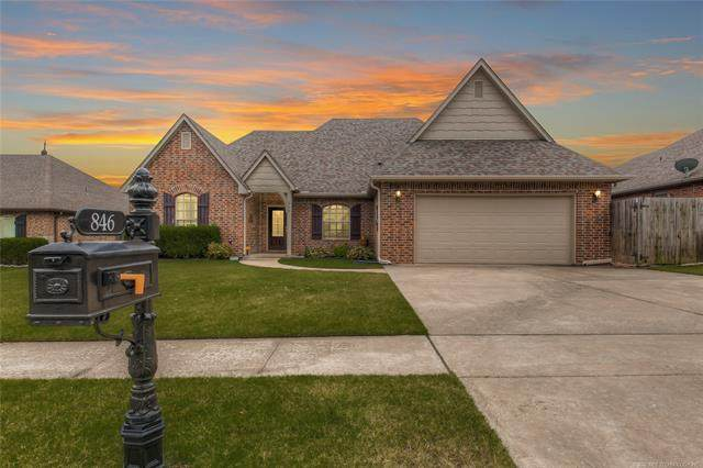 846 W 149th Place, Glenpool, OK 74033 (MLS #2033088) :: Active Real Estate