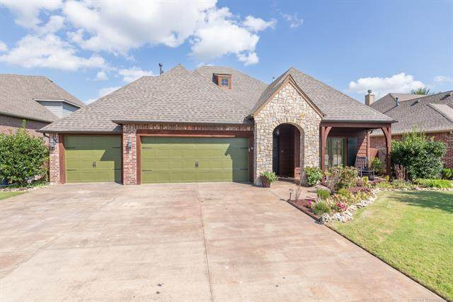 10919 S Lawrence Street, Jenks, OK 74037 (MLS #2033093) :: Active Real Estate