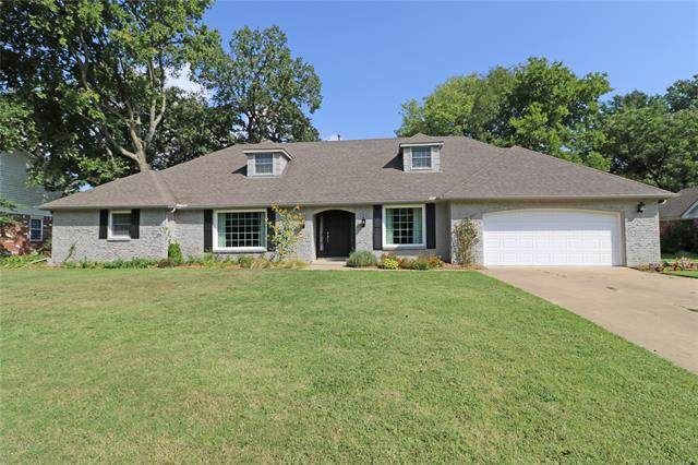1500 SE Hampden Road, Bartlesville, OK 74006 (MLS #2033356) :: 918HomeTeam - KW Realty Preferred