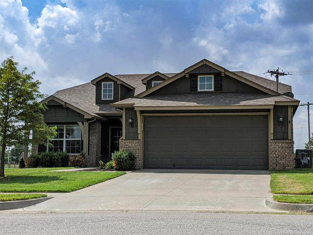 14502 E 111th Place North, Owasso, OK 74055 (MLS #2033450) :: Hopper Group at RE/MAX Results