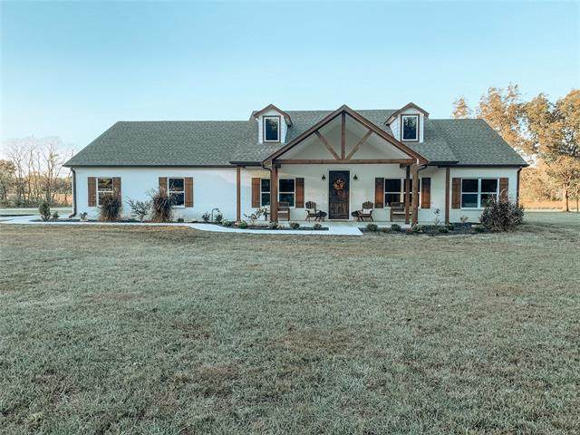 2003 N Cherokee, Chouteau, OK 74337 (MLS #2033581) :: Active Real Estate