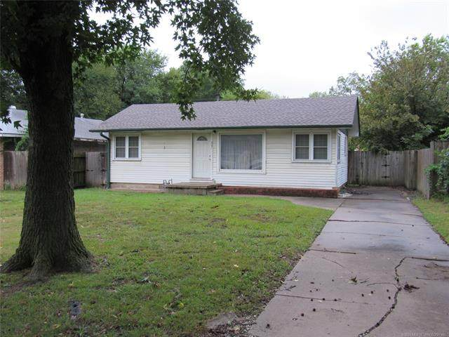 207 S Choctaw Street, Dewey, OK 74029 (MLS #2033687) :: Hometown Home & Ranch