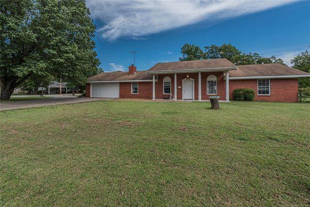 401 S State Street, Wagoner, OK 74467 (MLS #2033719) :: Hometown Home & Ranch