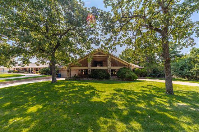 1426 Country Club Road, Mcalester, OK 74501 (MLS #2033784) :: RE/MAX T-town