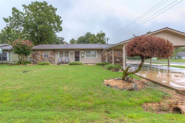 1000 SE 12th Street, Wagoner, OK 74467 (MLS #2033819) :: Hometown Home & Ranch