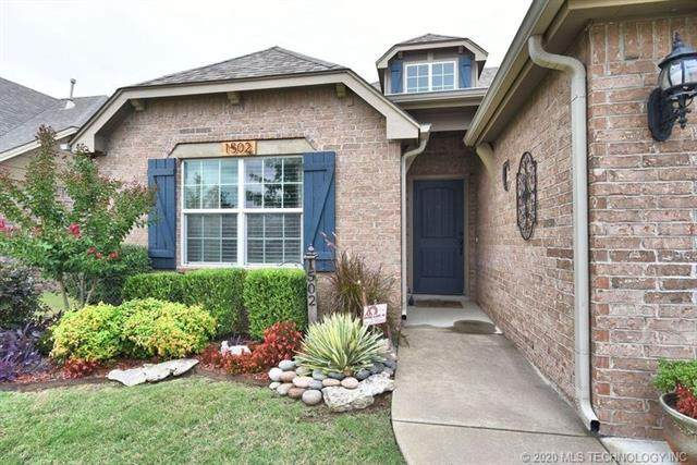 1502 W Boston Place, Broken Arrow, OK 74012 (MLS #2033840) :: Hometown Home & Ranch