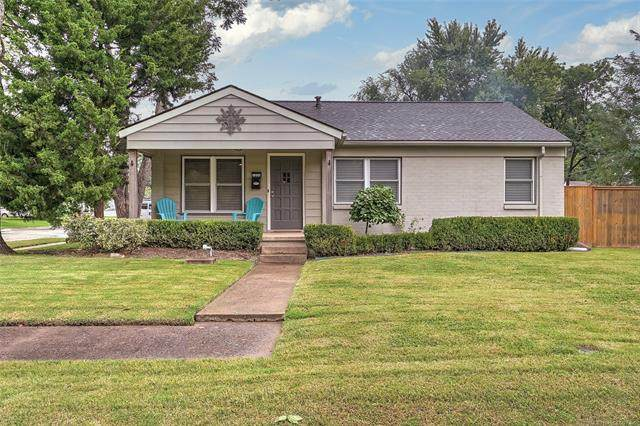 1335 E 45th Place, Tulsa, OK 74105 (MLS #2033901) :: Hometown Home & Ranch