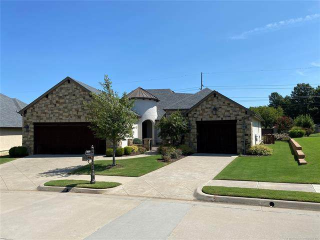 8419 S Nogales Avenue W, Tulsa, OK 74132 (MLS #2033921) :: Hopper Group at RE/MAX Results