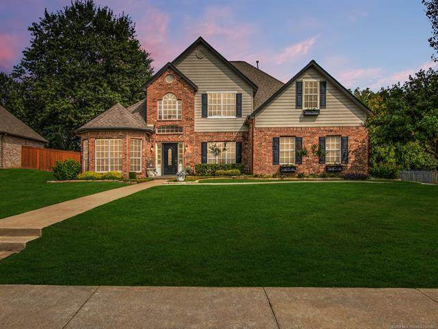 9209 N 137th East Avenue, Owasso, OK 74055 (MLS #2033970) :: Hopper Group at RE/MAX Results