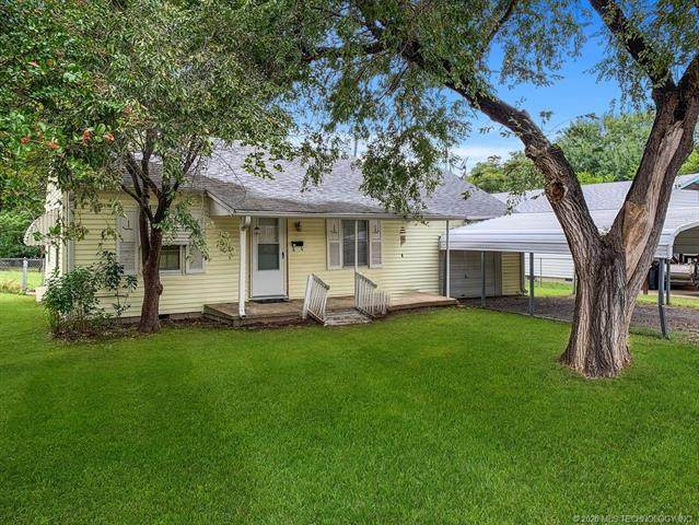 104 S Ora Street, Pryor, OK 74361 (MLS #2034021) :: Hometown Home & Ranch