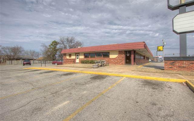 130 S Wood Drive, Okmulgee, OK 74447 (MLS #2034091) :: RE/MAX T-town