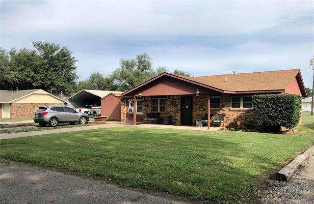 1416 E Maple Street, Cushing, OK 74023 (MLS #2034113) :: Hopper Group at RE/MAX Results