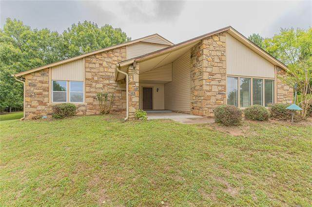 1259 N Peninsula Drive W, Cleveland, OK 74020 (MLS #2034135) :: Hometown Home & Ranch