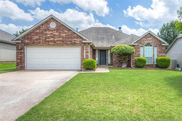 10308 E 113th Place, Bixby, OK 74008 (MLS #2034162) :: Active Real Estate