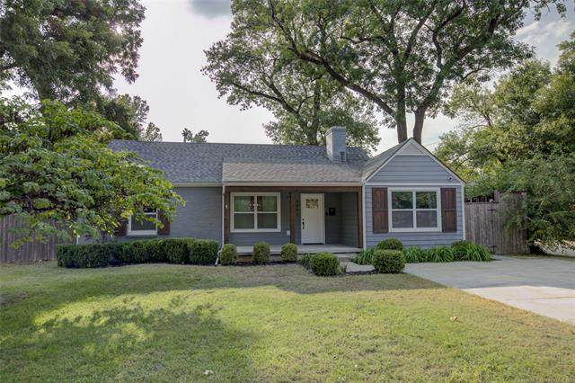 3002 S Boston Court, Tulsa, OK 74114 (MLS #2034282) :: Hopper Group at RE/MAX Results