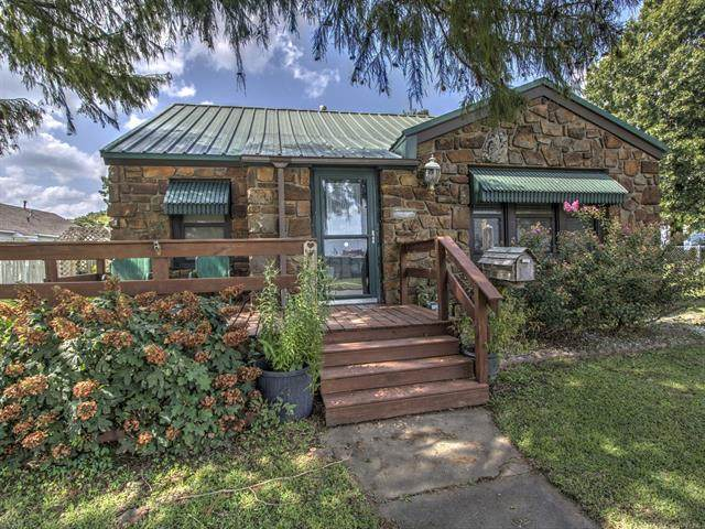 1709 Lynn Avenue, Pawhuska, OK 74056 (MLS #2034289) :: 918HomeTeam - KW Realty Preferred