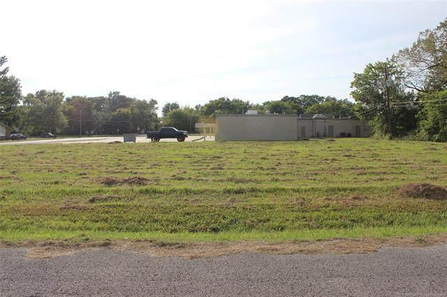 SE 10th Street, Wagoner, OK 74467 (MLS #2034367) :: Hometown Home & Ranch