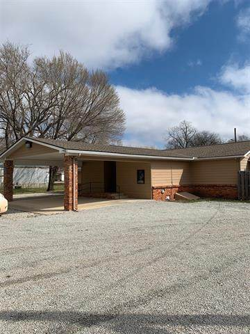 709 Blue Hawk Street, Pawnee, OK 74058 (MLS #2034438) :: Hopper Group at RE/MAX Results