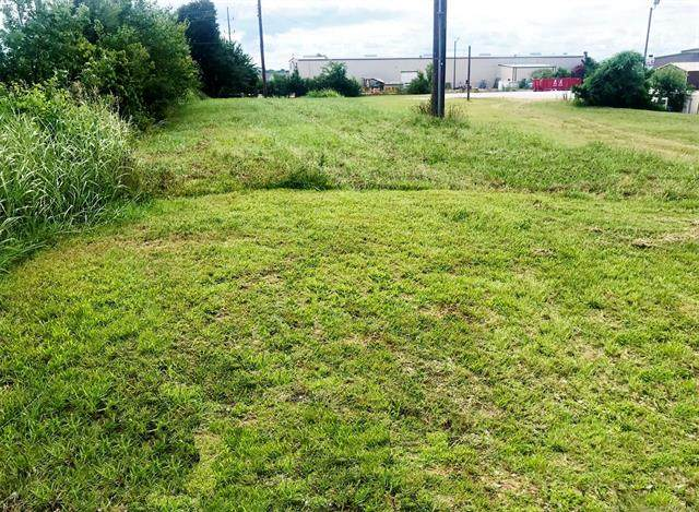 Lonnie Abbott Boulevard, Ada, OK 74820 (MLS #2034494) :: Hometown Home & Ranch