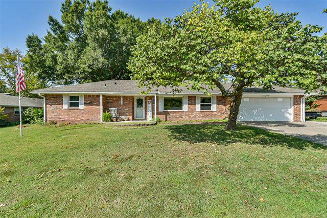 4715 SE Barlow Drive, Bartlesville, OK 74006 (MLS #2034522) :: Hometown Home & Ranch