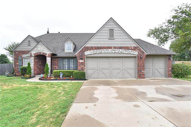 8348 N 67th East Avenue, Owasso, OK 74055 (MLS #2034547) :: 918HomeTeam - KW Realty Preferred