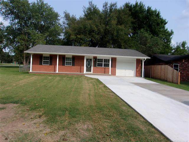 201 S Swan Drive, Cleveland, OK 74020 (MLS #2034671) :: Active Real Estate