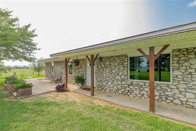 30613 S Lona Valley Road, Kinta, OK 74552 (MLS #2035007) :: Hopper Group at RE/MAX Results