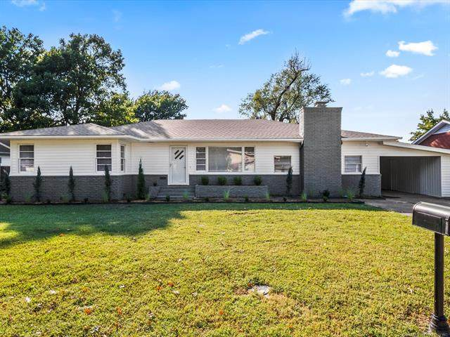 1323 N Mcfarland Place, Claremore, OK 74017 (MLS #2035445) :: Hometown Home & Ranch