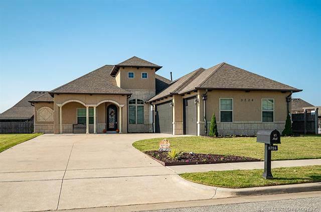 3724 S Dogwood Boulevard, Broken Arrow, OK 74011 (MLS #2035468) :: Hometown Home & Ranch