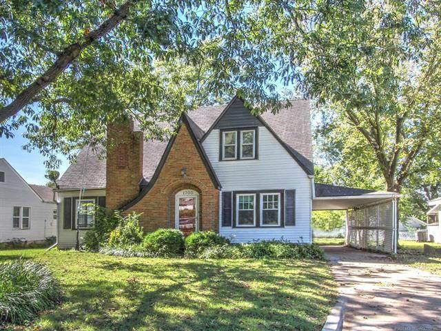 1705 S Keeler Avenue, Bartlesville, OK 74003 (MLS #2035549) :: RE/MAX T-town
