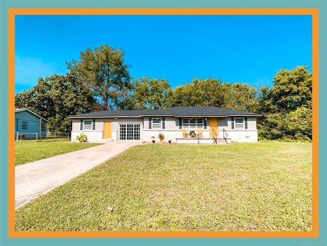 1612 E 18th Street, Ada, OK 74820 (MLS #2035598) :: Hometown Home & Ranch