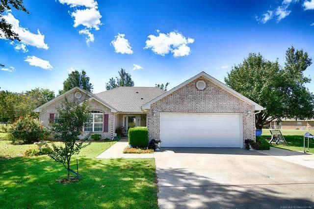 604 Redbud Road, Gore, OK 74435 (MLS #2035666) :: Hometown Home & Ranch