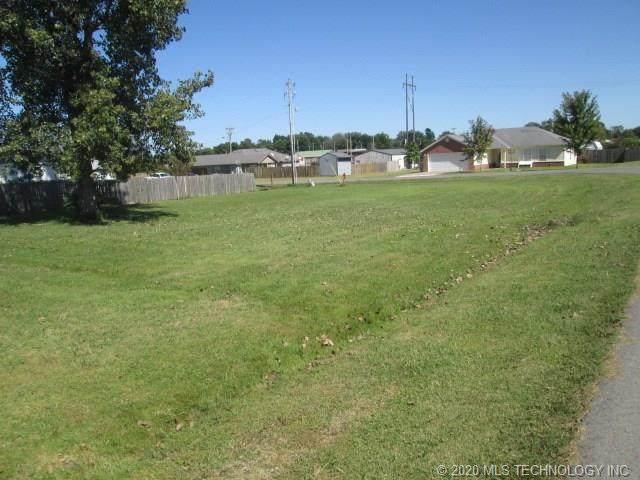 213 Prairie Meadow Circle, Warner, OK 74469 (MLS #2035956) :: 918HomeTeam - KW Realty Preferred
