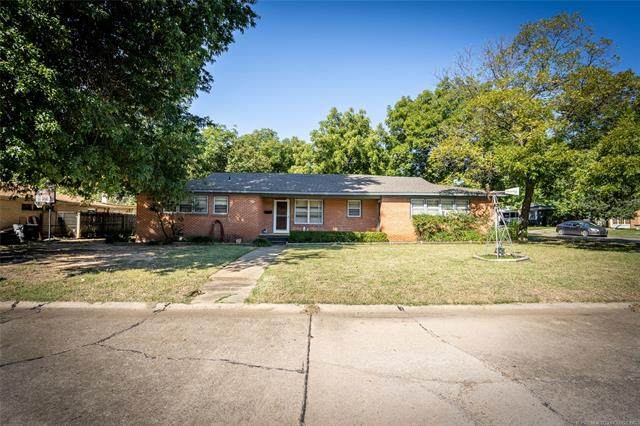 1106 Circle Avenue, Ardmore, OK 73401 (MLS #2036245) :: Active Real Estate