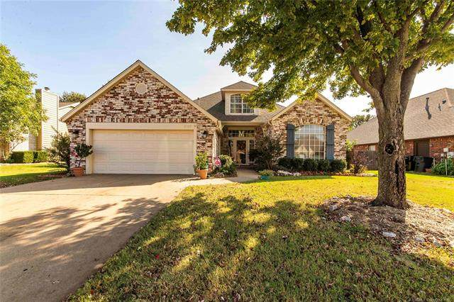 2437 S Sweet Gum Avenue, Broken Arrow, OK 74012 (MLS #2036325) :: 918HomeTeam - KW Realty Preferred