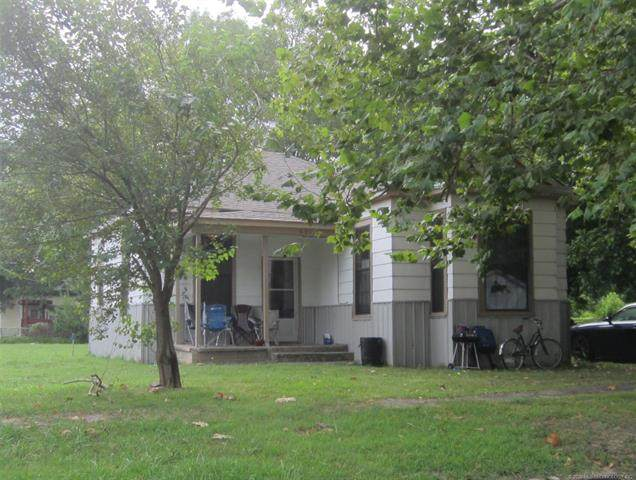 601 NW 2nd Street, Stigler, OK 74462 (MLS #2036333) :: 918HomeTeam - KW Realty Preferred