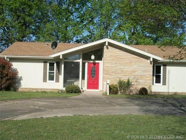 2110 S Elliott Street, Pryor, OK 74361 (MLS #2036442) :: Hometown Home & Ranch