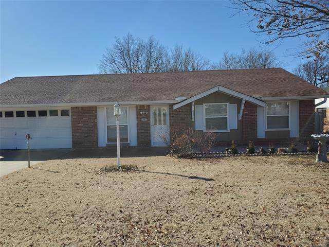 1907 Green Meadows Drive, Mcalester, OK 74501 (#2036449) :: Homes By Lainie Real Estate Group