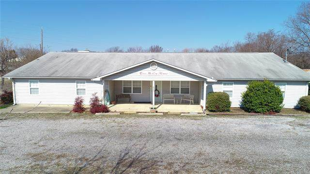 635 W Short Stonewall& West, Mcalester, OK 74501 (MLS #2036467) :: Hometown Home & Ranch