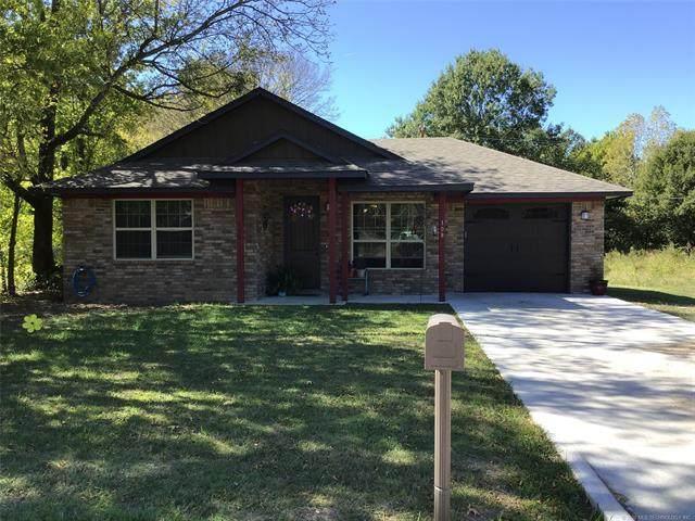 108 S Elliott Street, Pryor, OK 74361 (MLS #2036481) :: Hometown Home & Ranch