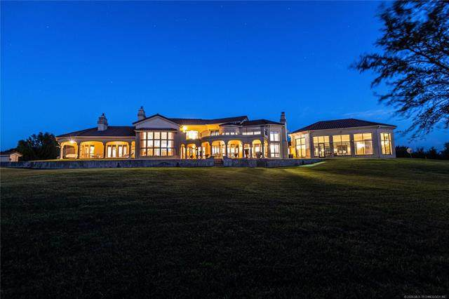 404500 E 1020 Road, Henryetta, OK 74437 (MLS #2036629) :: Hometown Home & Ranch