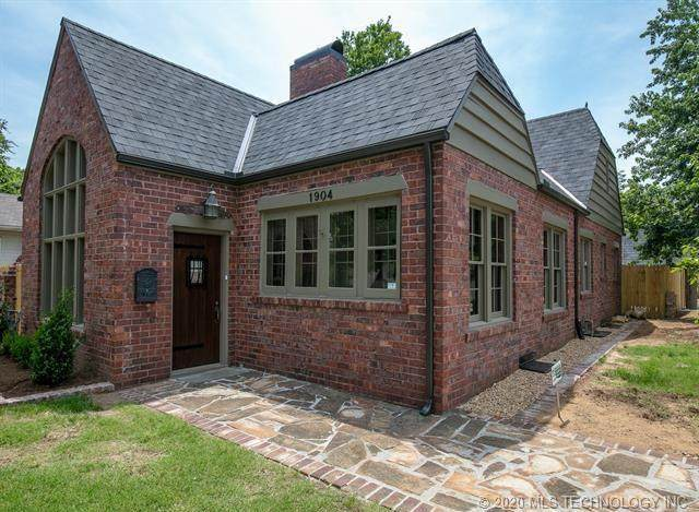 1904 S Yorktown Avenue, Tulsa, OK 74104 (MLS #2036696) :: Hopper Group at RE/MAX Results