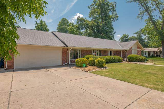 4717 S Wheeling Avenue, Tulsa, OK 74105 (MLS #2036718) :: Active Real Estate