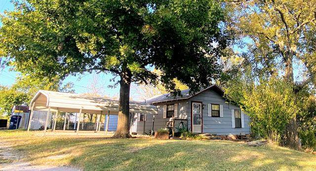 715 E 2nd Street, Hominy, OK 74035 (MLS #2036813) :: Hopper Group at RE/MAX Results