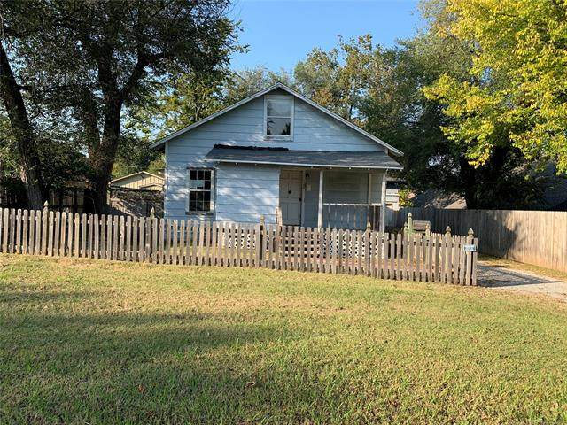 1308 W Walnut Street, Collinsville, OK 74021 (MLS #2036940) :: Hometown Home & Ranch