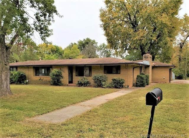 3401 Henrietta, Bartlesville, OK 74006 (MLS #2037204) :: 580 Realty