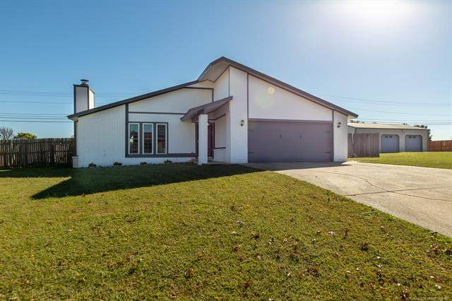 410 Yorktown Street, Wagoner, OK 74467 (MLS #2037488) :: Active Real Estate