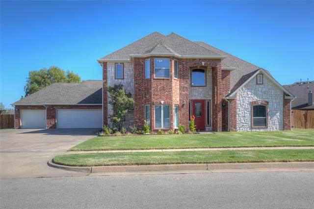 212 Sagebrush Drive, Bartlesville, OK 74006 (MLS #2037493) :: Hometown Home & Ranch
