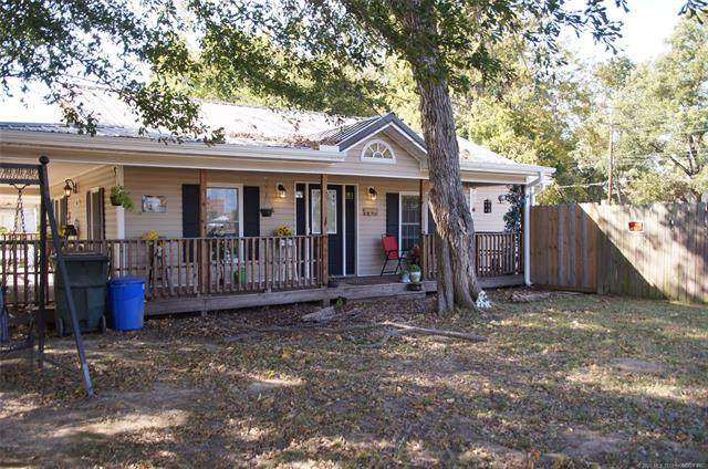 805 W 8th Street, Okmulgee, OK 74447 (MLS #2037603) :: Active Real Estate