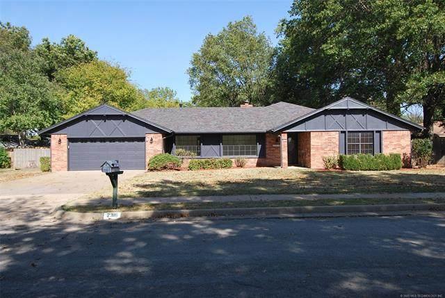 2316 Chapel Hill Court, Bartlesville, OK 74006 (MLS #2037608) :: RE/MAX T-town
